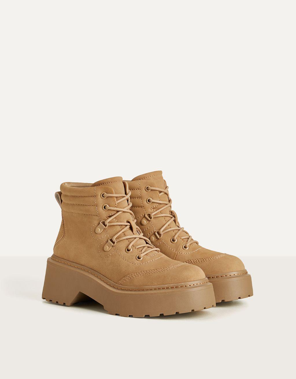 Lace-up platform ankle boots