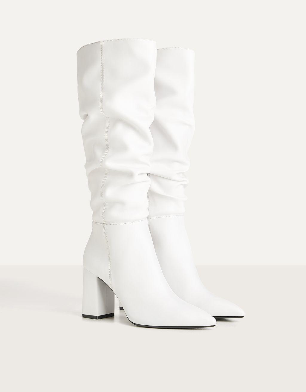 Högklackade boots i avslappnad modell