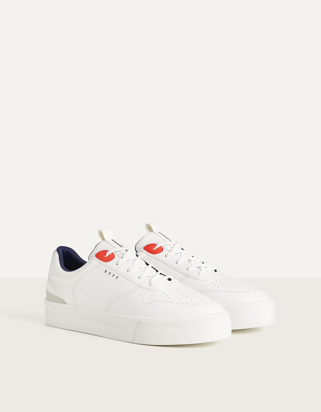 Men's trainers with colour detail
