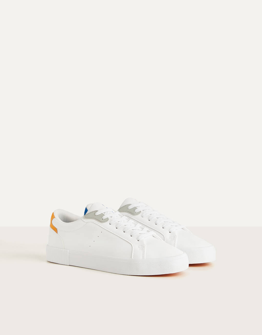 Trainers with bicoloured heels