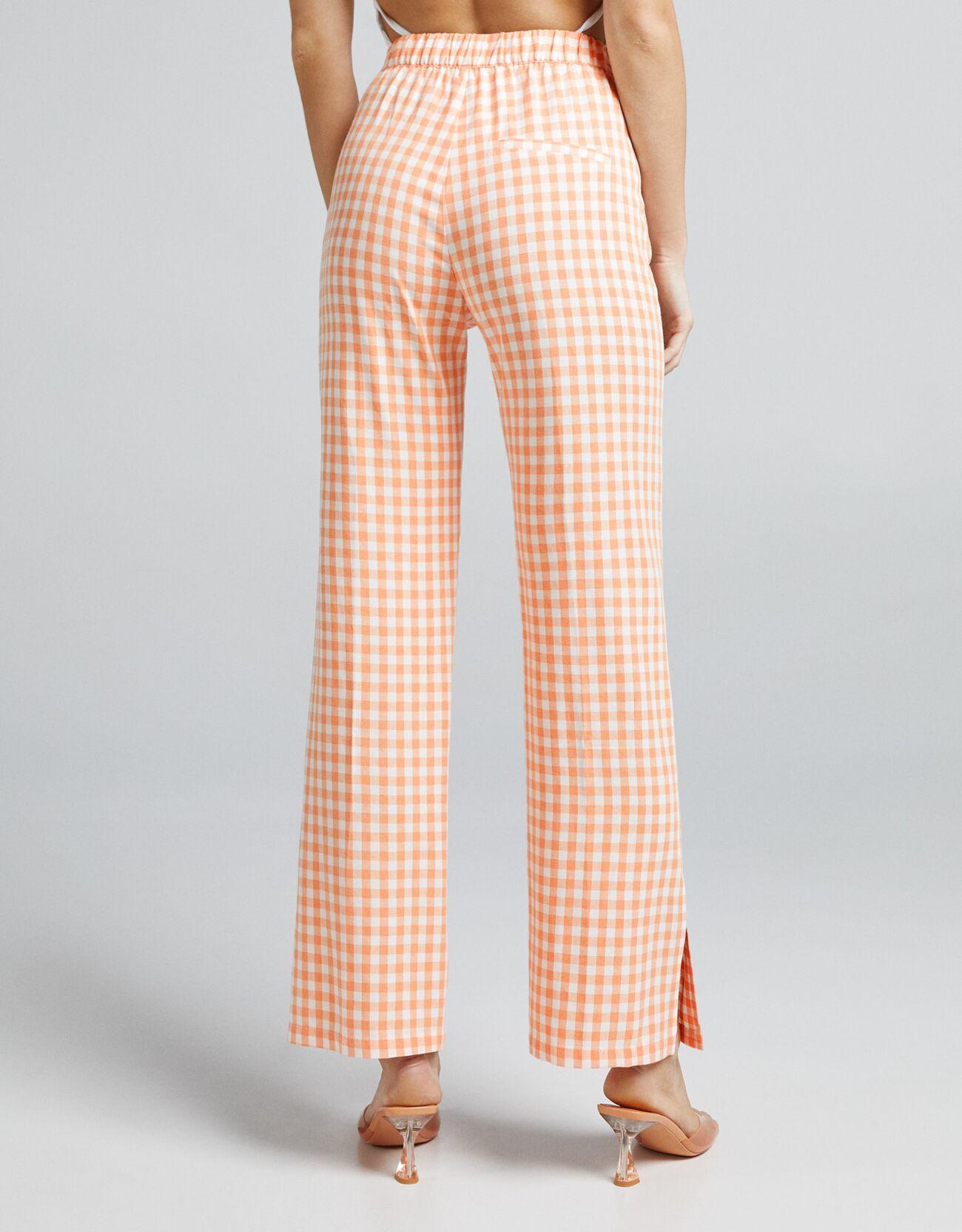 Льняные брюки прямого кроя в клетку виши Оранжевый Bershka