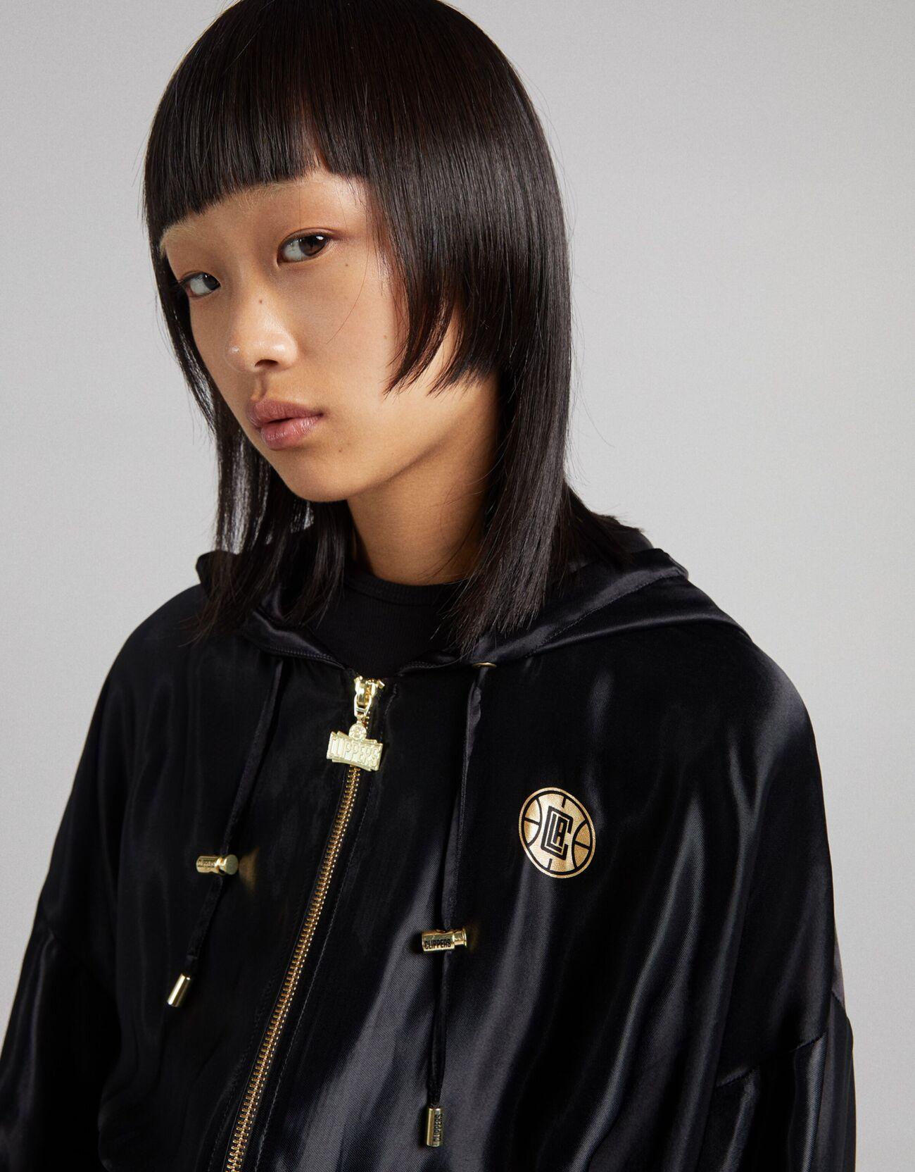 Укороченная куртка из сатина NBA + Bershka с капюшоном Черный Bershka
