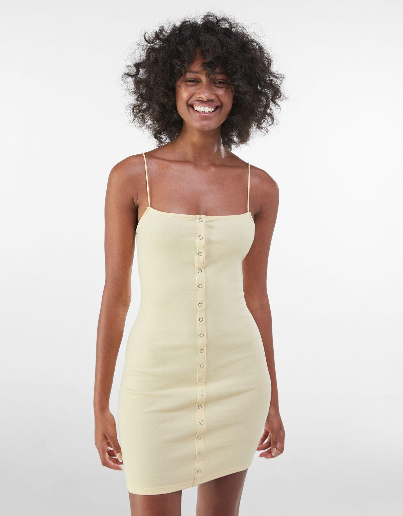 bershka -  Kurzes Kleid Mit Knöpfen Und Patentbündchen Damen S Gelb