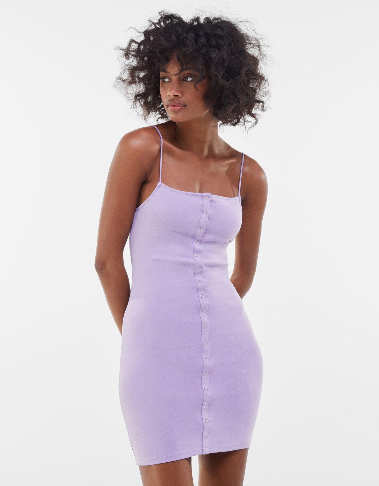 bershka -  Kurzes Kleid Mit Knöpfen Und Patentbündchen Damen Xs Violett