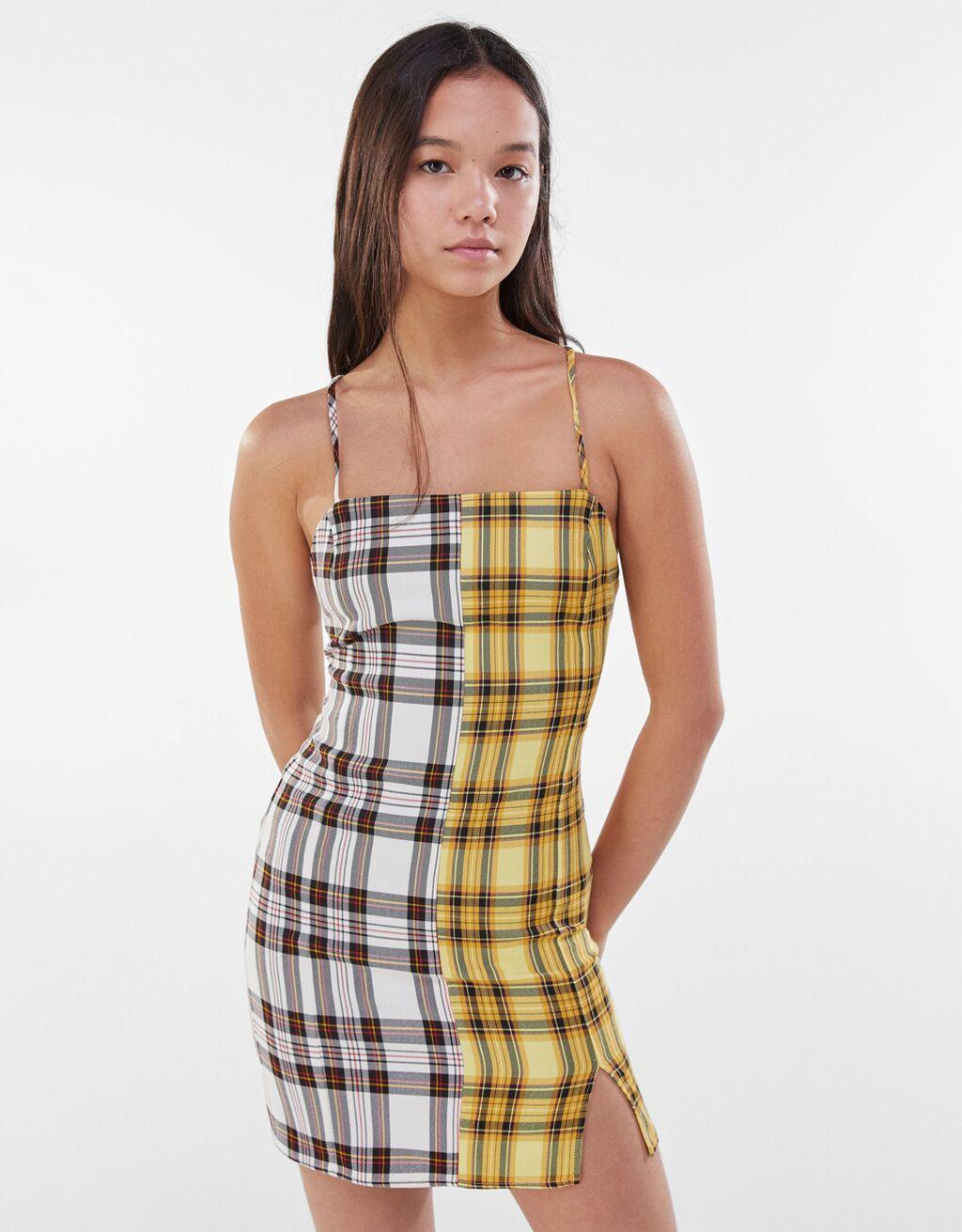 Vestido com saia de peitilho em contraste aos quadrados-Amarelo-0