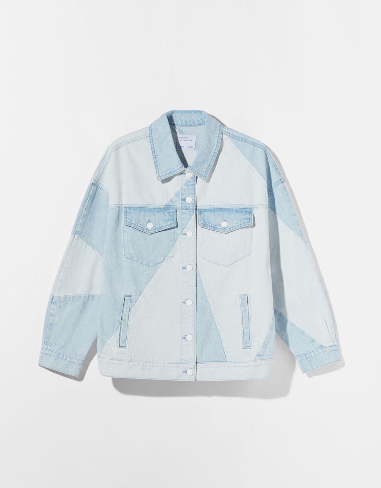 Комбинированная двухцветная джинсовая куртка оверсайз Голубой Bershka