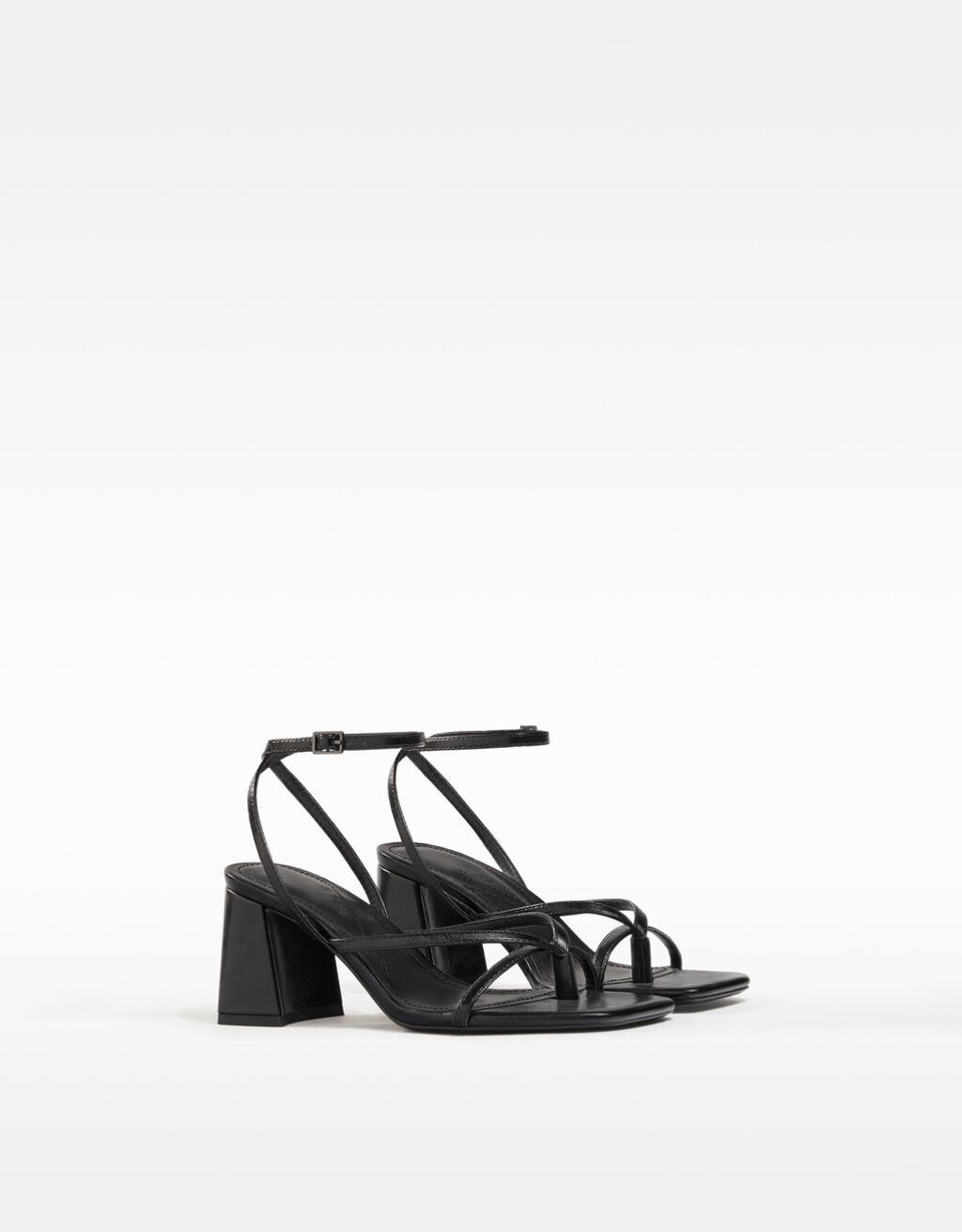 Sandália de tacão com tiras-Preto-0